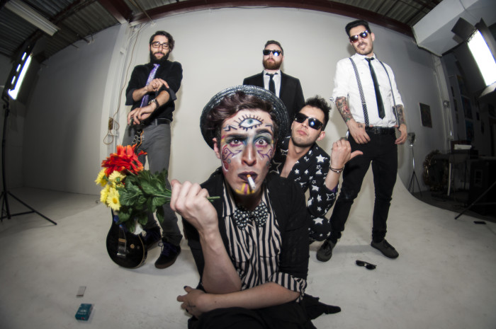 Will Wood And The Tapeworms – To Be Or Not ToBe