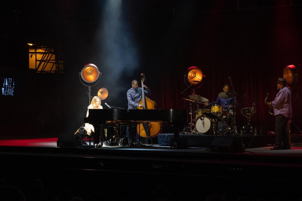 diana krall live ; jazz a vienne ; sounds so beautiful